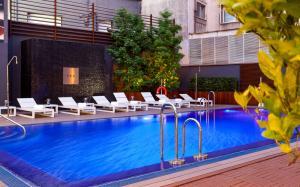 terraza piscina 0515